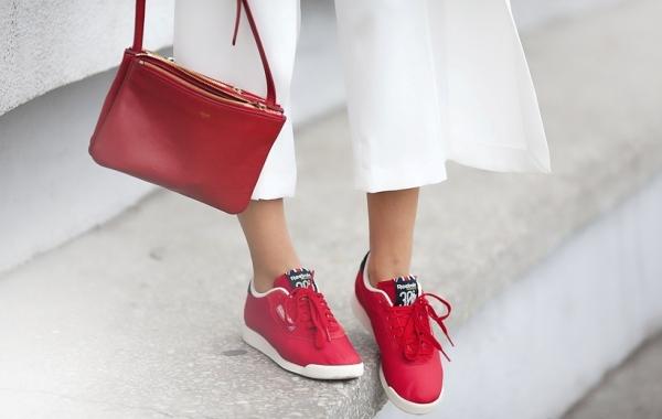 С-красной-сумочкой-1.jpg